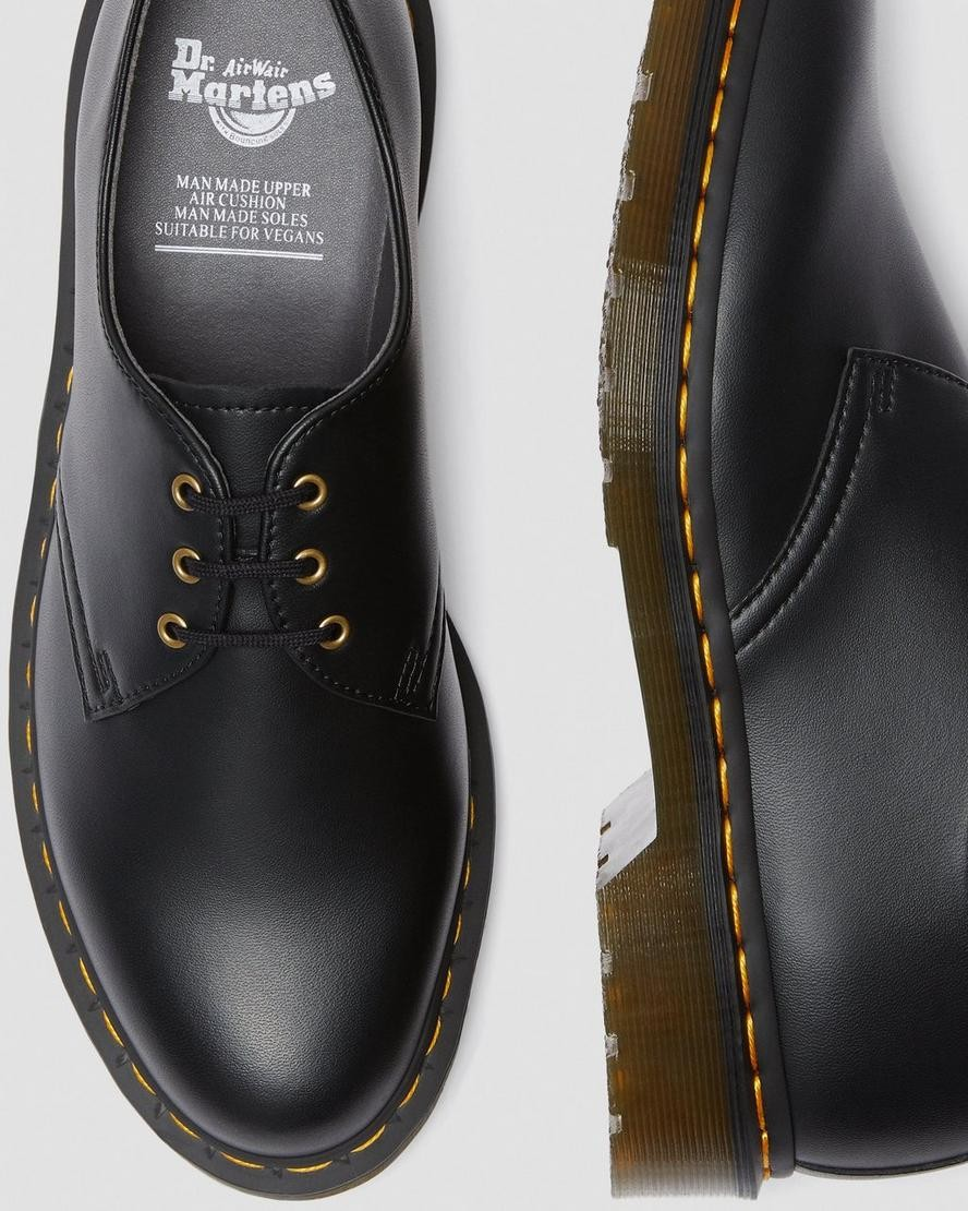 dr martens vegan scarpa bassa nera